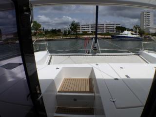 Catamaran LEOPARD 40