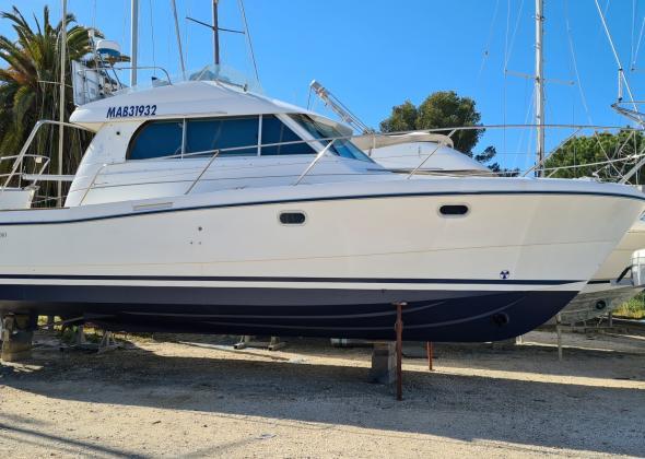 Cabin Cruiser BENETEAU ANTARES 10.80
