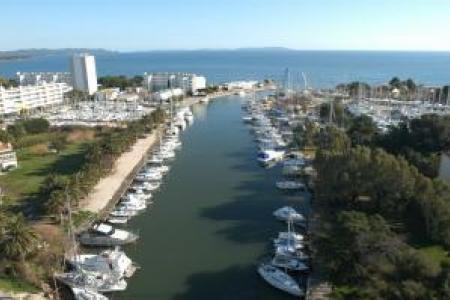 Places au port du Gapeau à louer
